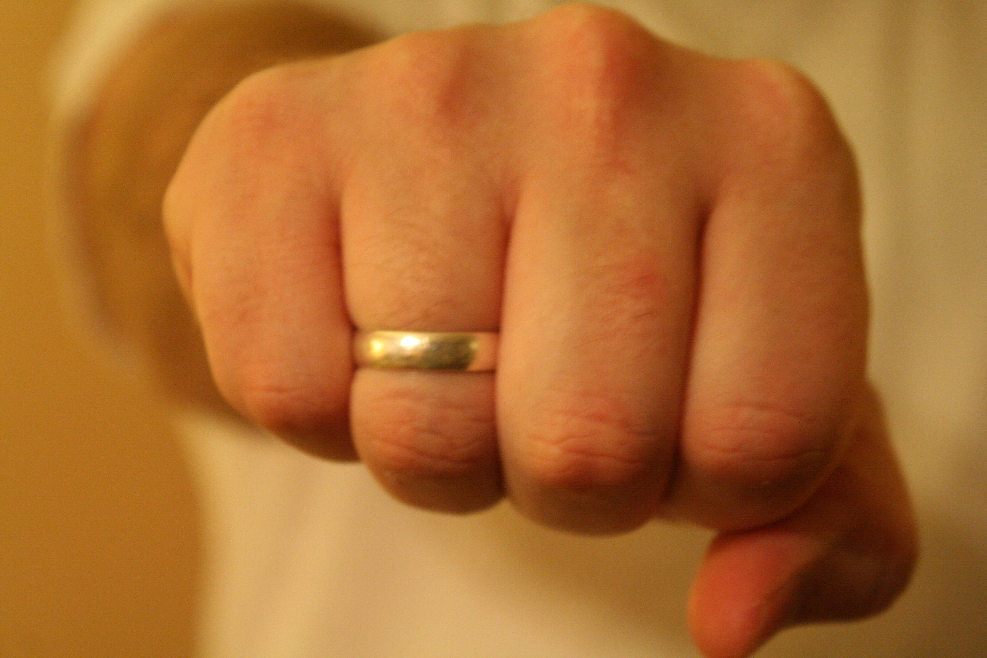 i wear my wedding ring on my right hand | living one-handedi wear